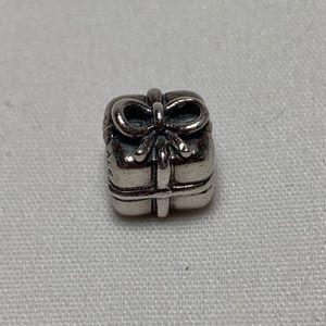 Retired Pandora Gift 🎁Charm